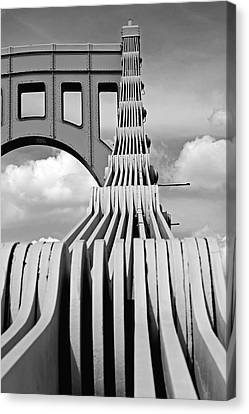 Sixth Street Perspective Pittsburgh Pa Canvas Print by Kristen Vota