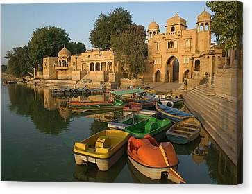 Skn 1391 Visit To Gadisar Lake Canvas Print