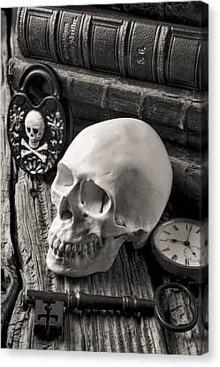 Skull And Skeleton Key Canvas Print by Garry Gay
