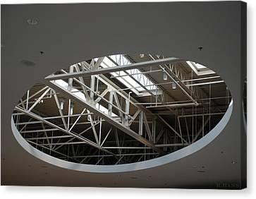 Skylight Gurders Canvas Print by Rob Hans