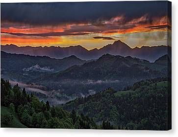 Canvas Print featuring the photograph Slovenia Countryside Dawn by Stuart Litoff