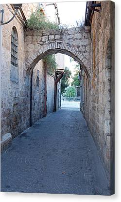 Small Street In Jerusalem Canvas Print by Susan Heller
