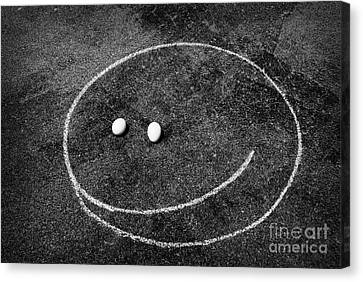 Canvas Print featuring the photograph Smiley - Chalk N Eggs by Aimelle