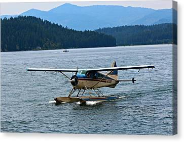 Smooth Landing On Lake Coeur D'alene Canvas Print
