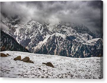 Canvas Print featuring the photograph Snow Capped Triund Hill by Yew Kwang