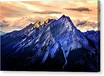 Canvas Print featuring the photograph Mount Cascade by John Poon