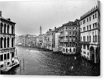 Snowy Day In Venice Canvas Print