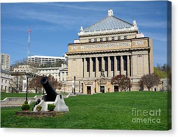 Soldiers And Sailors Memorial Hall Pittsburgh Pennsylvania Canvas Print by Amy Cicconi
