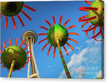 Sonic Bloom Canvas Print by Inge Johnsson