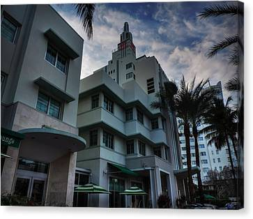 South Beach - Collins Avenue 004 Canvas Print by Lance Vaughn