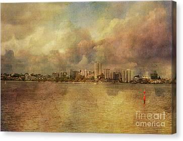 South Perth Skyline, Western Australia Canvas Print by Elaine Teague