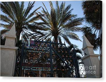 Southernmost Hotel Entrance In Key West Canvas Print by Susanne Van Hulst