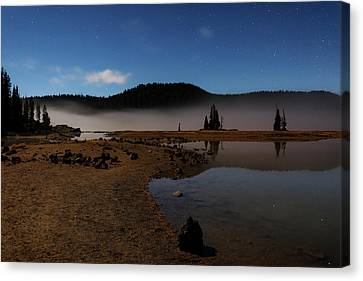 Canvas Print featuring the photograph Sparks Lake At Dawn by Cat Connor