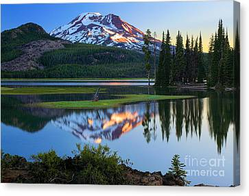 Sparks Lake Sunrise Canvas Print by Inge Johnsson