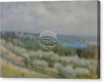 Sphere 24 Sisley Canvas Print