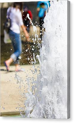 Splashing Out Canvas Print by Jorgo Photography - Wall Art Gallery