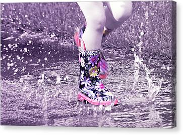 Splish Splash  Canvas Print by Susan Bordelon