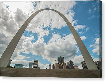 Canvas Print featuring the photograph St. Louis Gateway Arch Skyline 9489 by David Haskett