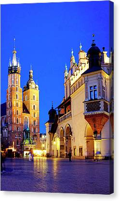 Canvas Print featuring the photograph St. Mary's Basilica And Cloth Hall by Fabrizio Troiani