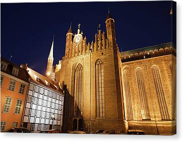 St. Mary's Church At Night In Gdansk Canvas Print by Artur Bogacki