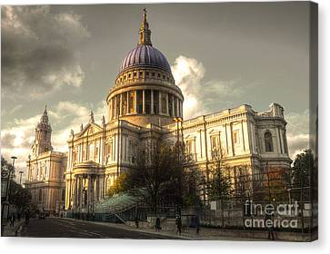 St Paul's Cathedral Canvas Print by Rob Hawkins