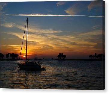 St. Petersburg Sunrise Canvas Print