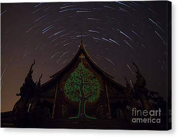 Canvas Print featuring the photograph Startrails by Tosporn Preede
