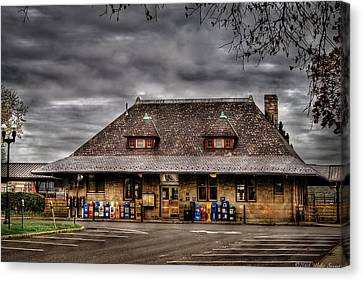Station - Westfield Nj - The Train Station Canvas Print by Mike Savad