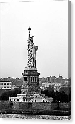 Canvas Print featuring the photograph Statue Of Liberty Black And White by Kristin Elmquist