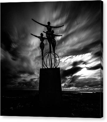 Statue Canvas Print by Stelios Kleanthous