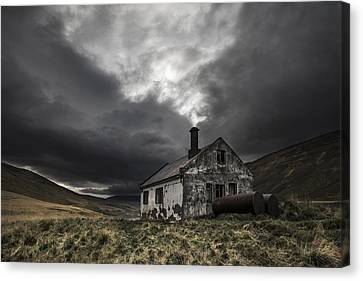 Abandoned House Canvas Print - Steam Of Time by Bragi Ingibergsson - Brin