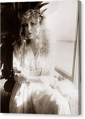 Stevie Nicks 1981 No.1 Canvas Print by Chris Walter