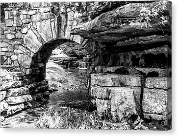 Stone Arch Canvas Print by Wade Courtney