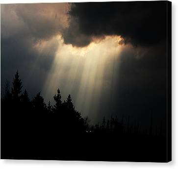 Storms And Sun Rays Canvas Print