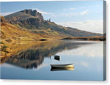 Canvas Print featuring the photograph Storr Reflection by Grant Glendinning