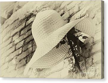Straw Hat With Wide Flap. Handmade, Used By Farmers To Protect Themselves From The Sun While Working In The Fields Canvas Print