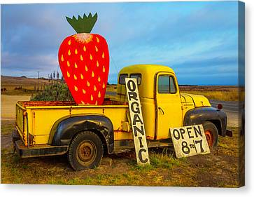 Strawberry Sign In Pickup Truck Canvas Print by Garry Gay