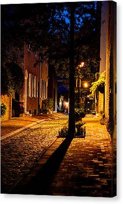 Street In Olde Town Philadelphia Canvas Print by Mark Dodd