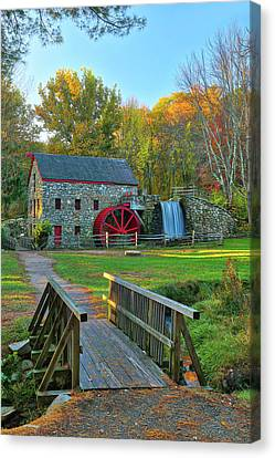 Canvas Print featuring the photograph Sudbury Massachusetts by Juergen Roth