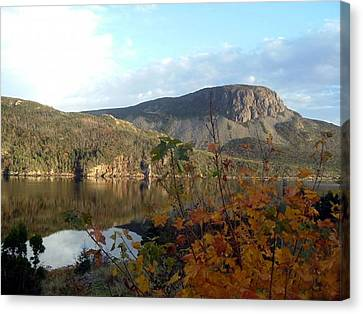 Canvas Print featuring the photograph Sugarloaf Hill In Autumn by Barbara Griffin