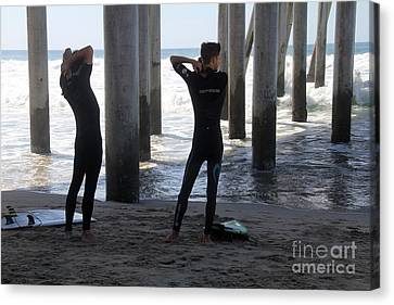 Canvas Print - Suiting Up Huntington Beach by Linda Queally