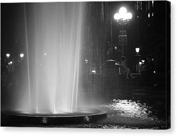 Summer Romance - Washington Square Park Fountain At Night Canvas Print by Vivienne Gucwa