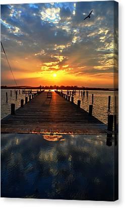 Sundown In Seaside Canvas Print by Bob Cuthbert