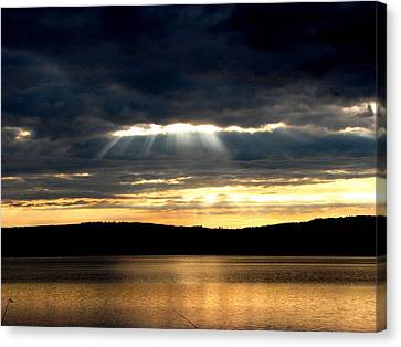 Sunrays Canvas Print