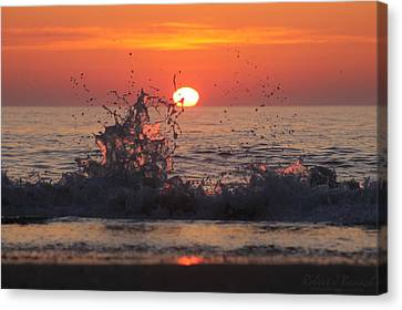 Sunrise And Splashes Canvas Print