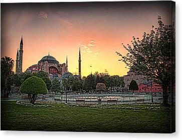 Sunrise At Hagia Sophia Canvas Print