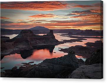 Sunrise At Lake Powell Canvas Print by James Udall