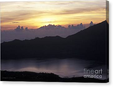 Sunrise At Mount Batur Bali Indonesia Canvas Print by Gordon Wood