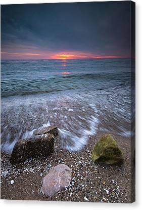 Sunrise At Sandpoint Beach Canvas Print