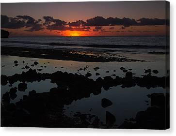 Sunrise At Shipwreck Beach Canvas Print
